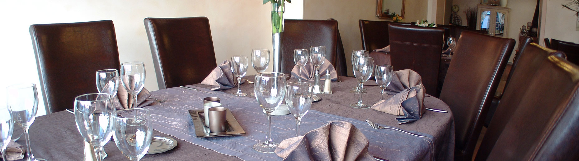 table-restaurant-1860x520